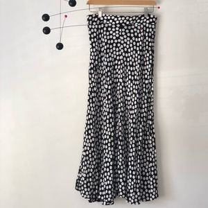 Midi Polka Dot skirt, update your Leopard Midi!